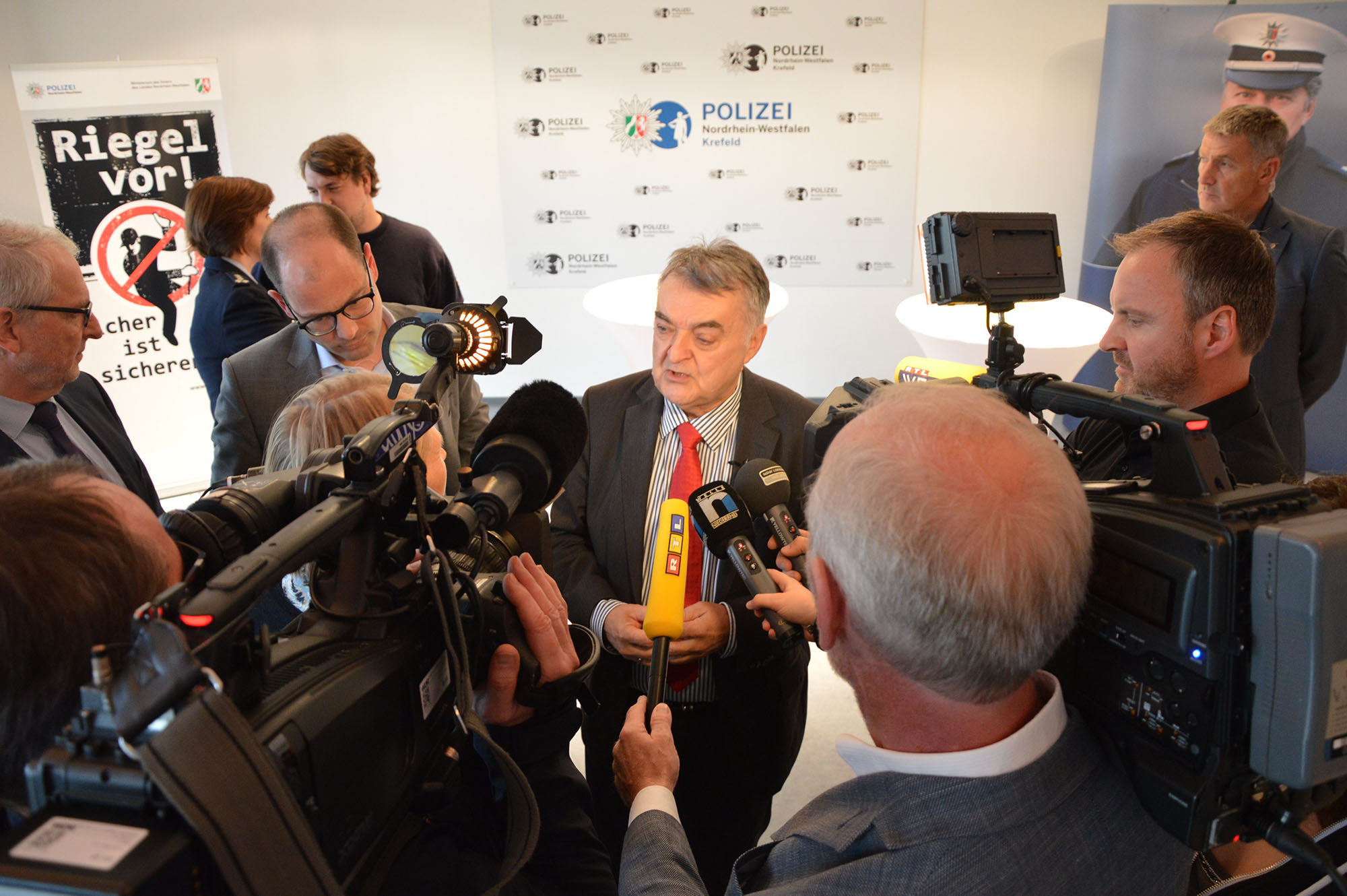 Minister Reul im Interview